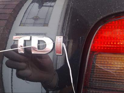 Auto Typenbezeichnung Entfernen